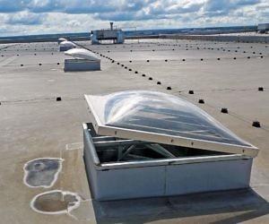 Естественное дымоудаление (люк на крыше)